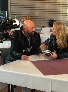 ECHO-Moderatorin Barbara Schöneberger im Interview mit ARD-Morgenmagazin Reporter Frank Meyer