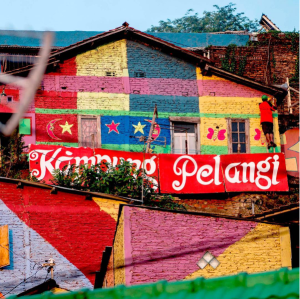 Rainbowvillage, Dorf. PR Beispiel, Verena Bender, PR Blog, PR Coach, Public Relations, PR Idee, Best practice, Aufmerksamkeit, Presse