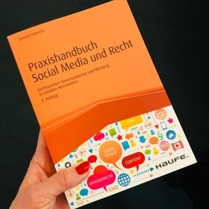 Social Media und Recht. Verena Bender, PR, Kommunikation, Pressearbeit, PR Coach, PR Idee, PR Blog, Kommunikations Coach, Lesen, Buchtipp